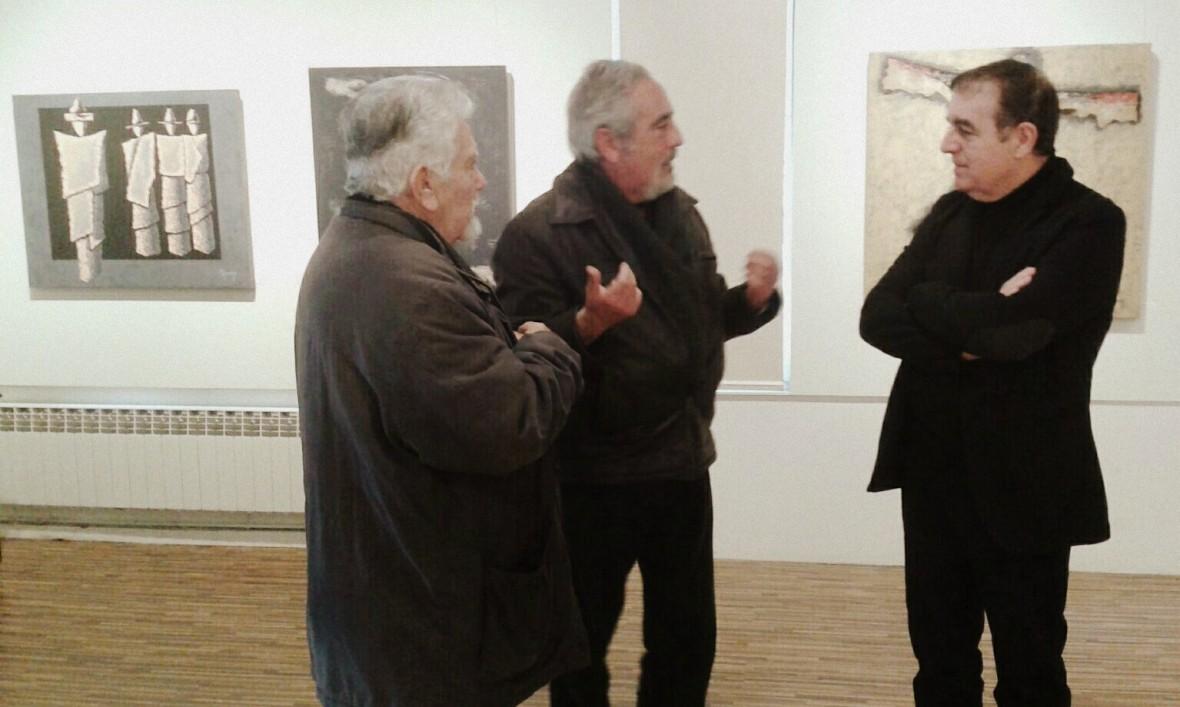 Conversando con los pintures Sugys y Agustín.
