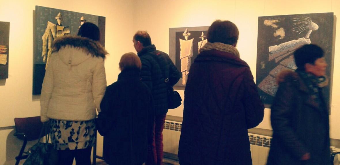 Visitantes exposición de pintura